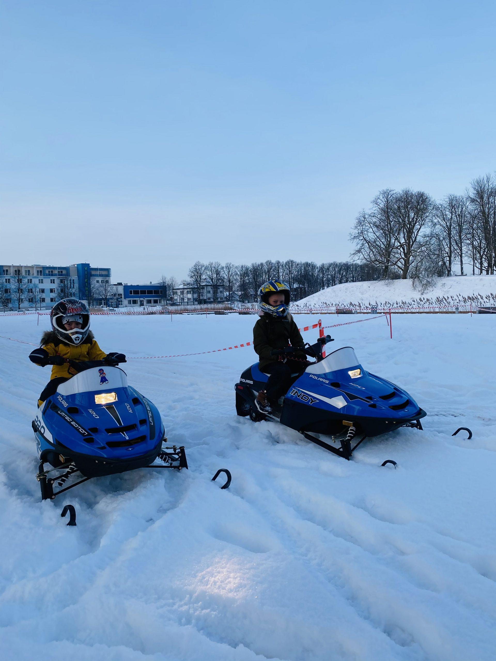 Talivine lumesaaniga sõit lastele Pärnus